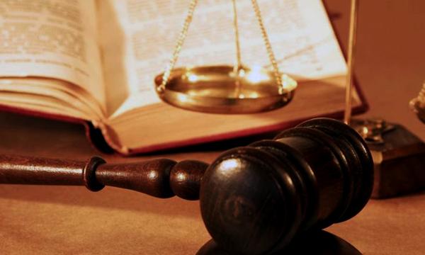Кража века: в Днепре судья украл в магазине фирменные кальсоны