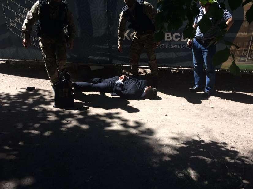 Преступление года!!! Во Львове на взятке «поймали» известного госслужащего, ТАКОЙ взятки даже Зварыч не видел
