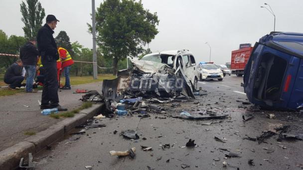 На Львовщине произошло жуткое ДТП с участием автобуса с людьми, это просто ужас