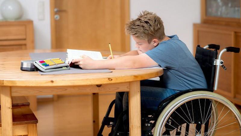 Экс-чиновников КГГА будут судить за растрату средств, выделенных на обучение детей-инвалидов и сирот