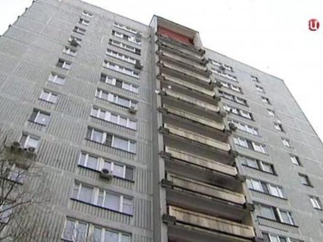 НЕ ДЛЯ СЛАБЫХ!!! Появилось шокирующее видео, как мама выбросила свою дочь с 9 этажа (18+)