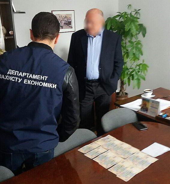 Неслыханный улов: Во Львове группу врачей поймали на взятке. Детали ШОКИРУЮТ!
