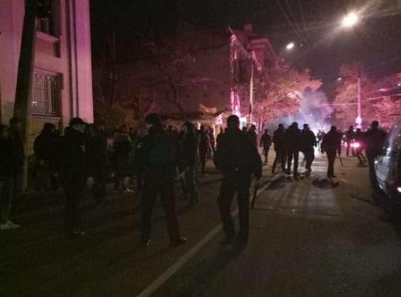 СРОЧНО!!! Массовая драка в центре города! Такого месива Украина еще не видела!(ВИДЕО 18+)