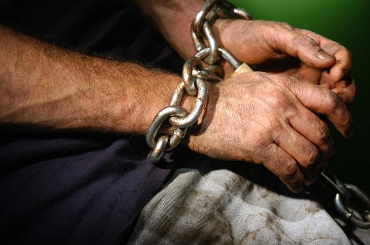 Трудно поверить!!! Тернополянин продавал девушек в рабство, детали просто поражают