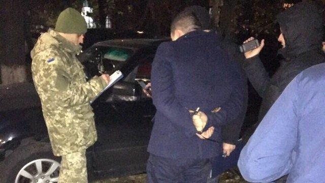 Еще один… В Днепропетровске майора полиции задержали на такой взятке, что СБУшники сами были в шоке