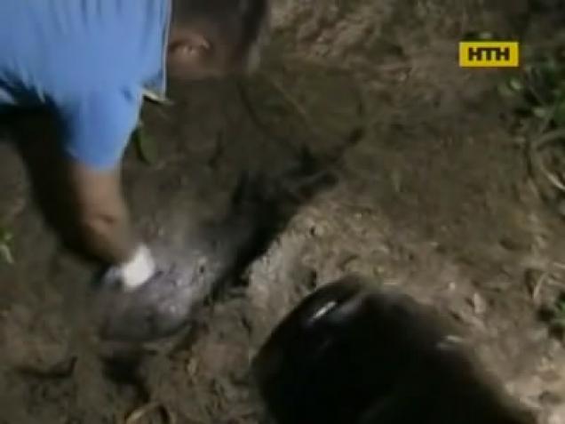 НЕ ДЛЯ СЛАБЫХ!!! В Одессе отчим зверски задушил двоих детей, подробности этого бесчеловечного преступления доводят до слез (видео 18+)