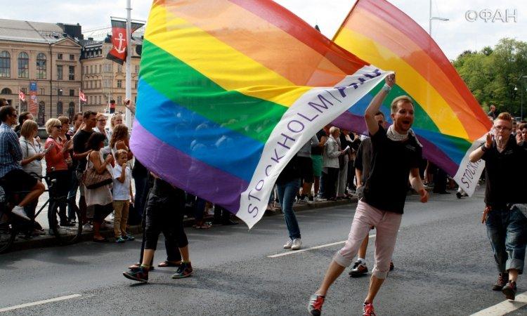 Держите меня семеро: известная политическая деятельница оказалась лесбиянкой, вся страна в шоке