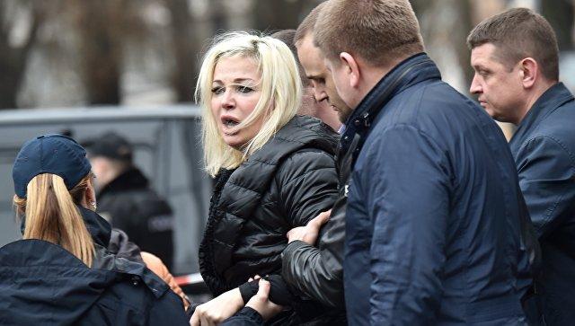 Россияне захлебываются от злости !!! Мария Максакова показала впечатляющие фото в вышиванке: ТАКОЙ вы еще точно не видели