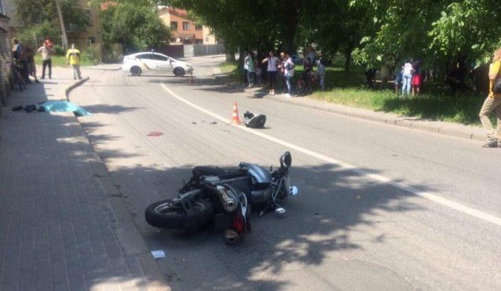 Два мотоциклиста устроили смертельное ДТП в Киеве! Трудно смотреть без слез (ФОТО
