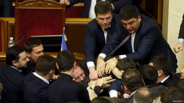 Скандал года!!! Тимошенко и Ляшко устроили поединок просто в Раде, еще такого вы не слышали