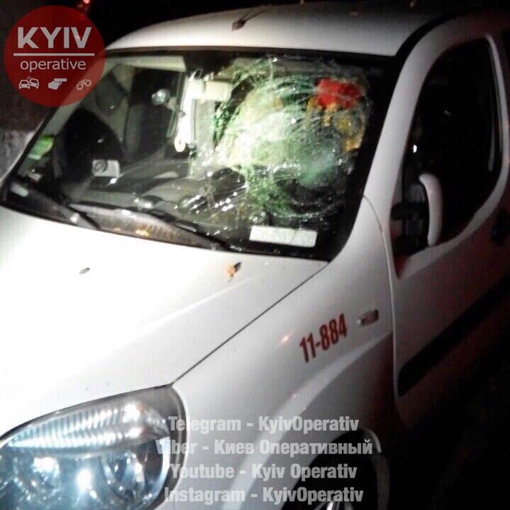Потрясающая новость! В Киеве пьяный мужчина совершил страшный погром. Такого вы еще не видели (фото)