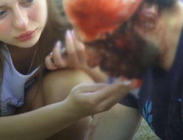 И как таких земля носит!!! В Одессе неадекватные молодые люди избивали арматурой всех кто попадался под руку (ВИДЕО 18+)