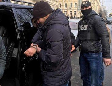 Понравилось? Известного киевского чиновника ВТОРОЙ РАЗ ЗА ГОД поймали на огромной взятке. Вы столько денег еще не видели