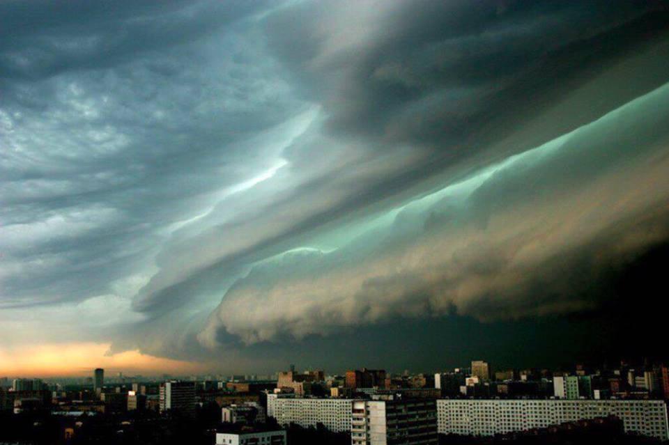 Москве начался настоящий апокалипсис, город утонуло во тьме! ФОТО и ВИДЕО доведут до истерики!