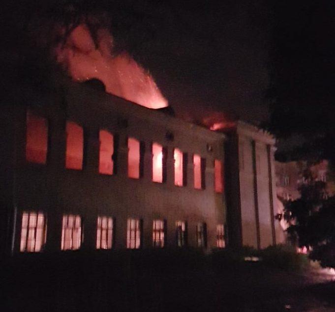 СРОЧНО !! В Одессе в доме на Фонтане произошел масштабный пожар! Такого Украина еще не видела
