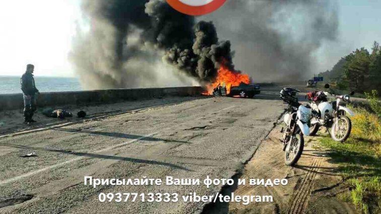 Людей разбросало по всей дороге… Под Киевом произошло адское ДТП, от этих фото кровь закипает