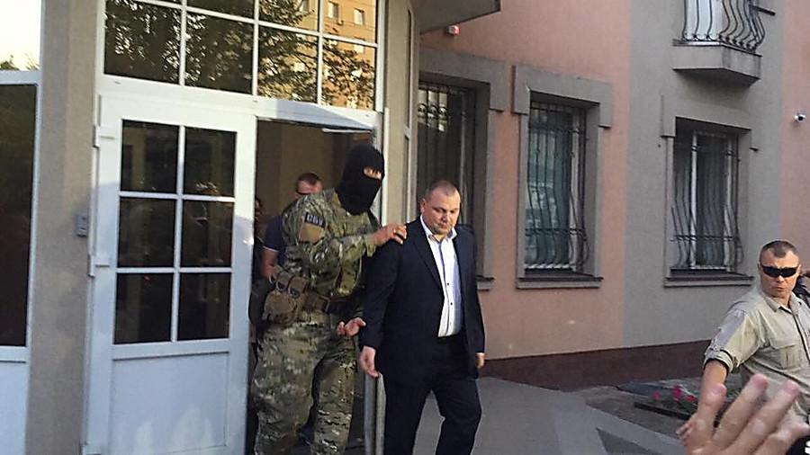 Скандал на всю Украину! Одиозного экс-прокурора отпустили домой !!! возмущению нет предела!