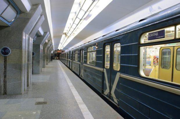 Это просто ужас!!! В Киеве мужчина бросился под поезд в метро