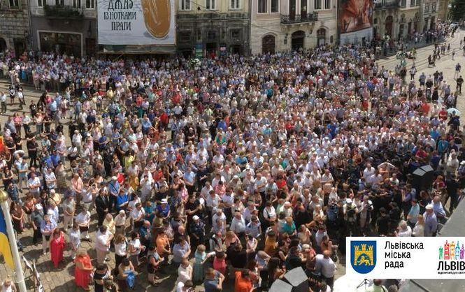 Это просто что-то с чем-то… Во время вече в центре Львова Садовый ТАКОЕ сказал, что все чуть не упали. Вы должны это знать