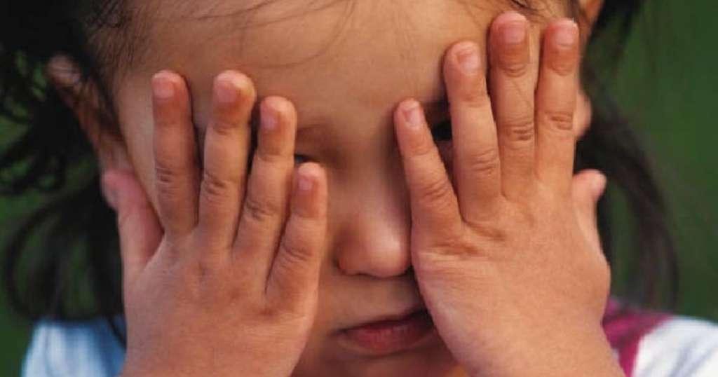 Нелюди!!! Двое мужчин зверски изнасиловали ребенка, от деталей мороз по коже