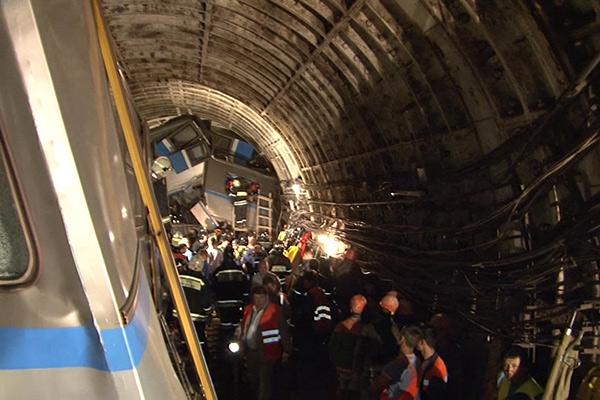 СРОЧНО!!! В столичном метро произошла страшная авария, пострадавших трудно посчитать