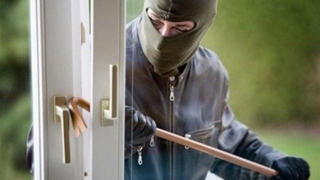 В Ужгороде полиция раскрыла кражу на 50000 гривен