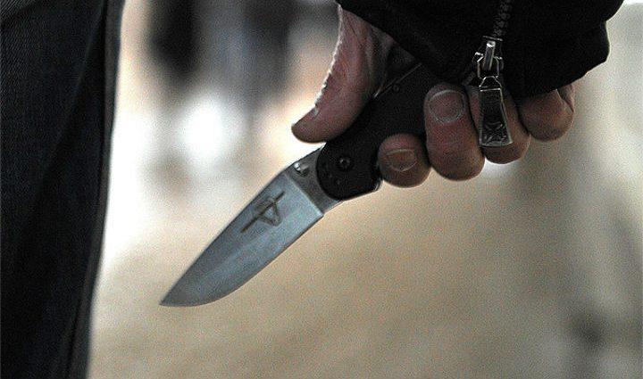еперь страшно ходить по улицам! В Харькове мужчине воткнули в спину нож! Детали пугают!