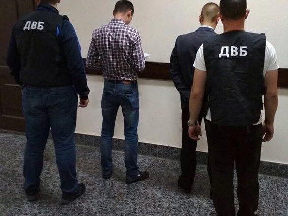 Вы такого еще не видели! В Винницкой области полицейский заставлял продавать наркотики людям, чтобы потом их задерживать! Детали шокируют!