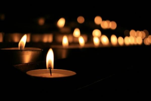 Трудно прийти в себя от горя: Скончалась известная поэтесса! Ее обожали и последовали! Печаль и слезы!