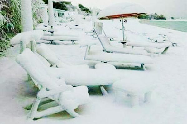«Это настоящий апокалипсис!»: Италию засыпало снегом по колено. Конец света уже близко?