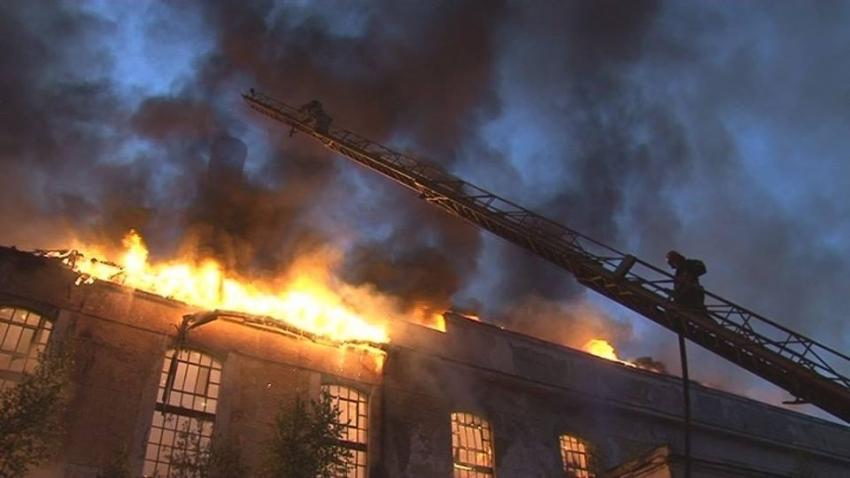 СРОЧНО!!! Во Львове с невероятной силой горел огромный завод, там такое творилось, что трудно представить