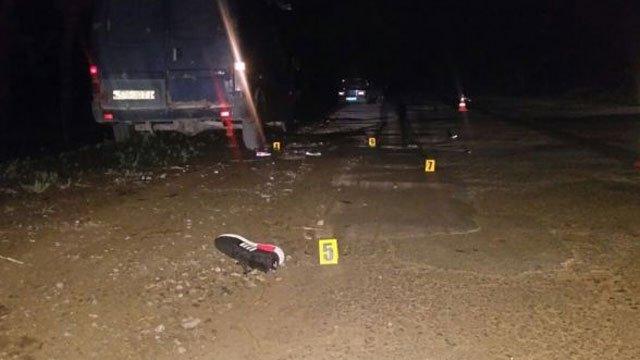 Он за них будет молиться? На Тернопольщине пьяный в стельку священник сбил трех подростков