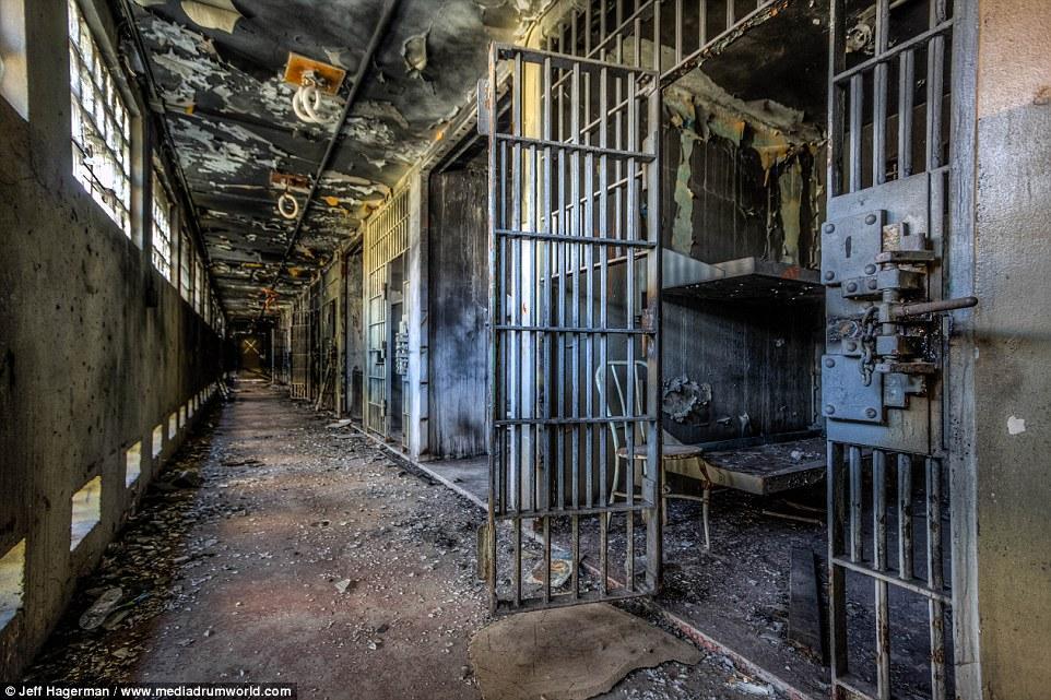 СРОЧНО! В жестокой драке в тюрьме погибли 28 человек! Некоторые найдено обезглавленное!
