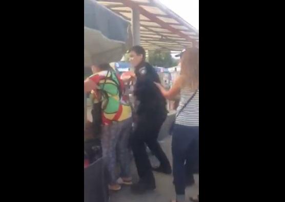 Полиция новая, а методы старые! Конфликт патрульных с женщинами на рынке поставил на уши всю Украину. Они такое вытворяли! (ВИДЕО)