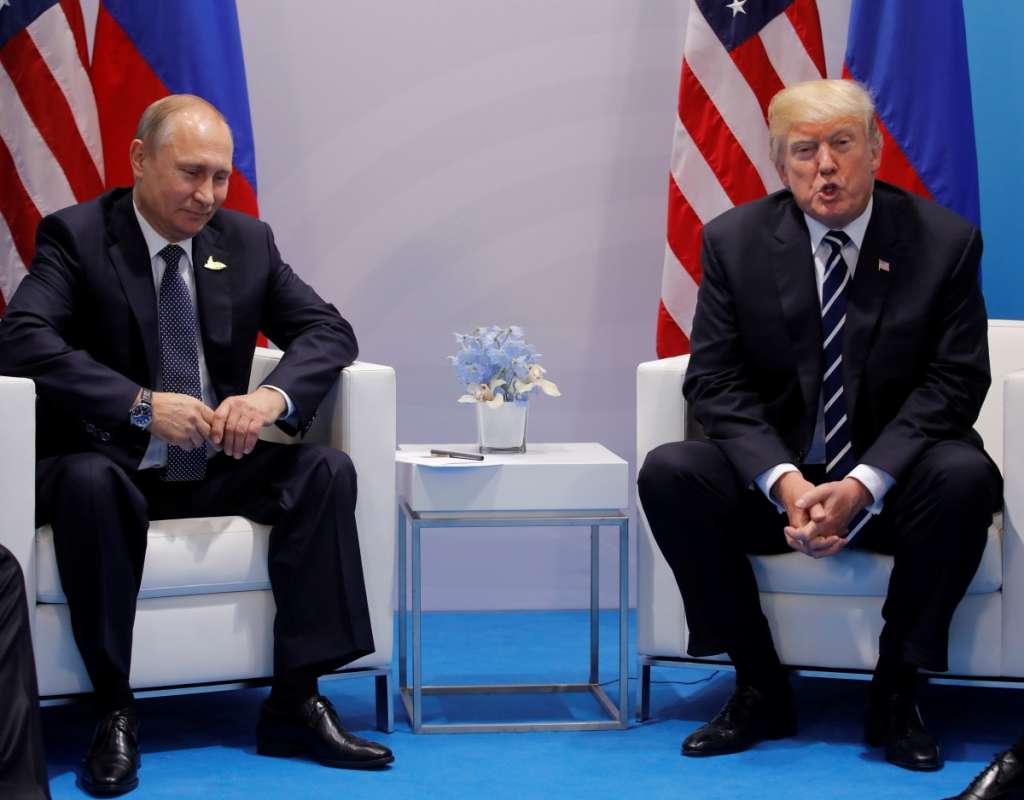«Говорили-говорили»: Стали известны новые потрясающие детали встречи Трампа с Путиным.