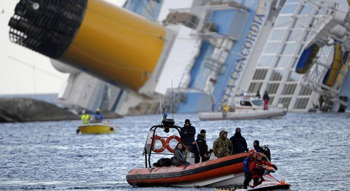 Судьба неизвестна… У Крыма ушло под воду грузовое судно. Подробности трагедии поражают