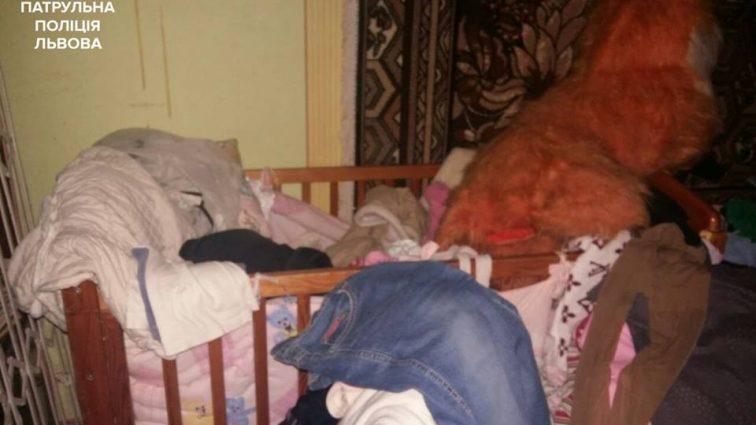И как земля таких носит??? В Тернополе пьяная мама жестоко поиздевалась из своих детей, она такое совершила…