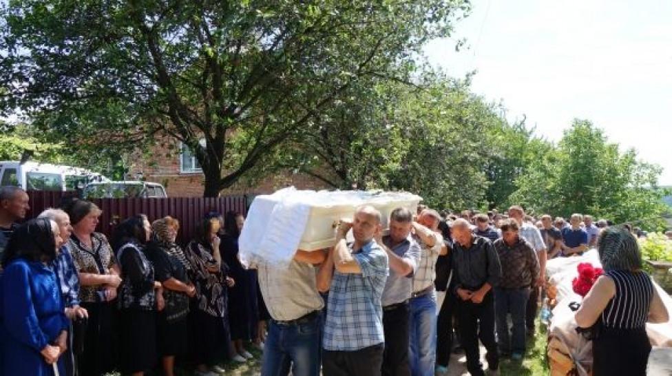 Что было зажато в ее руке? Новые шокирующие подробности расследования убийства тернопольской выпускницы шокируют. Кто запутывает следствие?