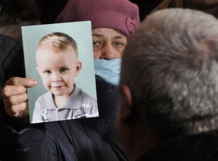 «Убил ребенка — восстановили в должности» История о скандальном врача, который избежал наказания, возмутила Сеть
