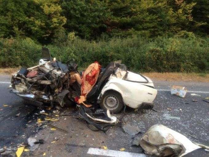 Машины разбросаны по всей дороге! На Львовщине произошла смертельная ДТП «лоб в лоб». От фото кровь стынет!