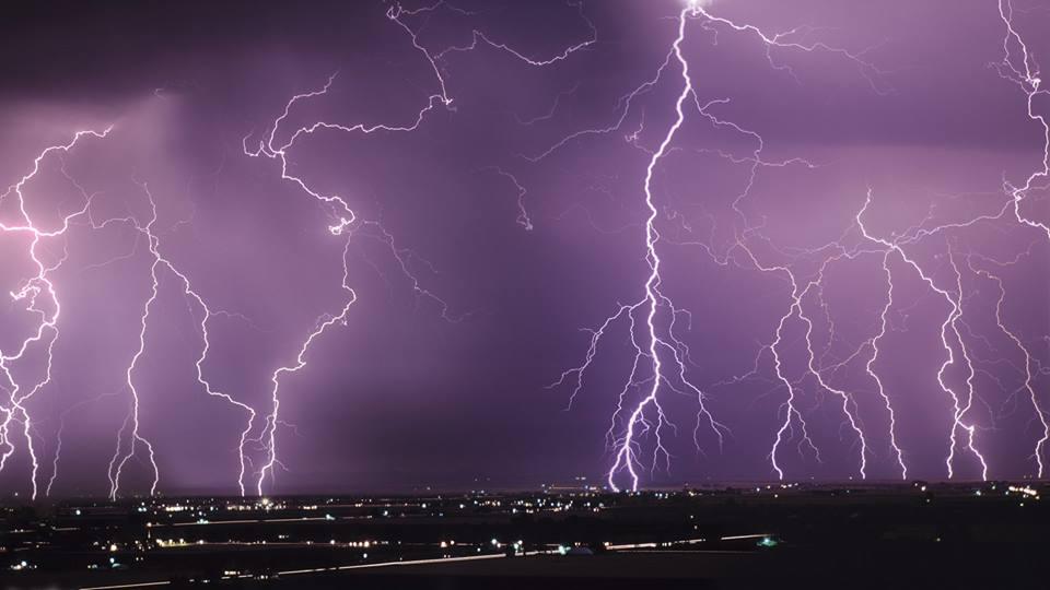 Синоптики объявили штормовое предупреждение в одной из областей. Это будет просто УЖАС!