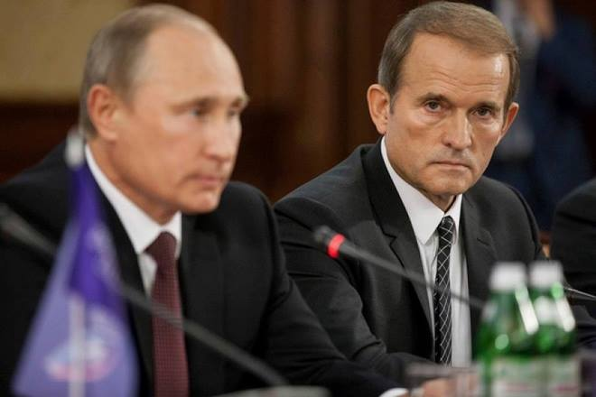 «Одного поля ягоды»: В Сети впервые появилось фото крестной дочери Путина. Только посмотрите!
