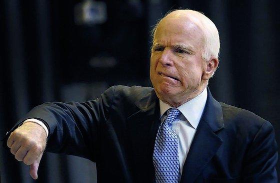 У Джона Маккейна обнаружили рак головного мозга. Сколько осталось жить известному сенатору?