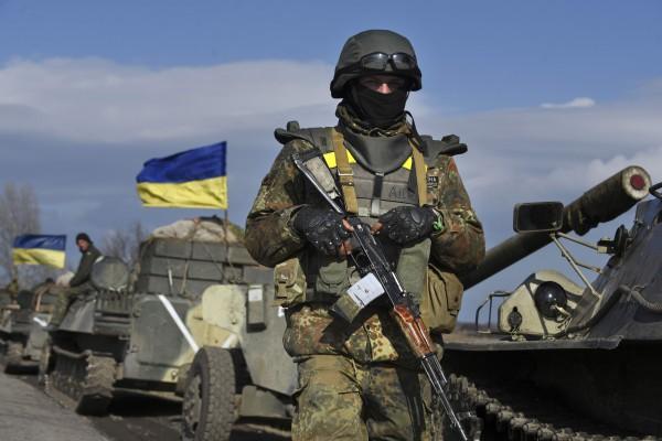 В зоне АТО российские оккупационные войска продолжают обстреливать позиции ВСУ