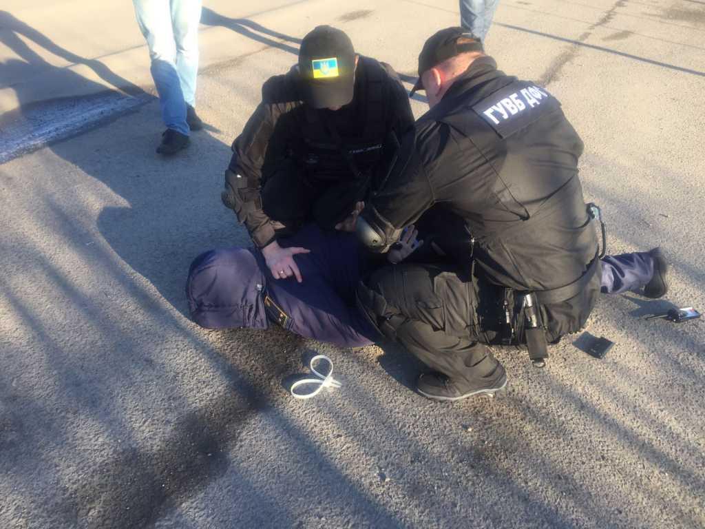 Предел наглости!!! Во Львове известного чиновника задержали на огромной взятке, он совершил ужасную вещь