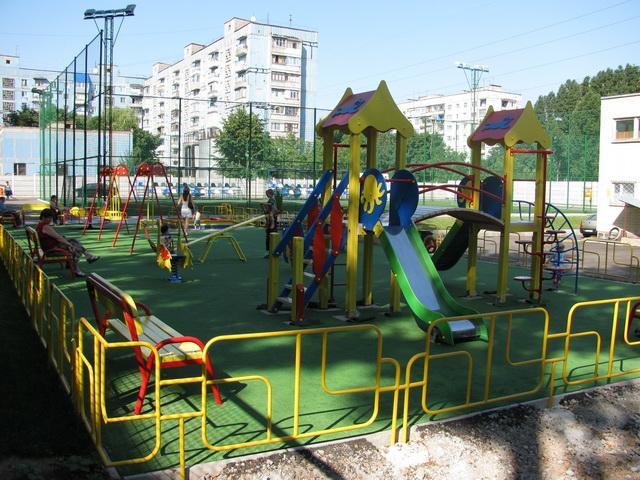 В Крыму 8-летний мальчик умер на детской площадке, узнайте все подробности