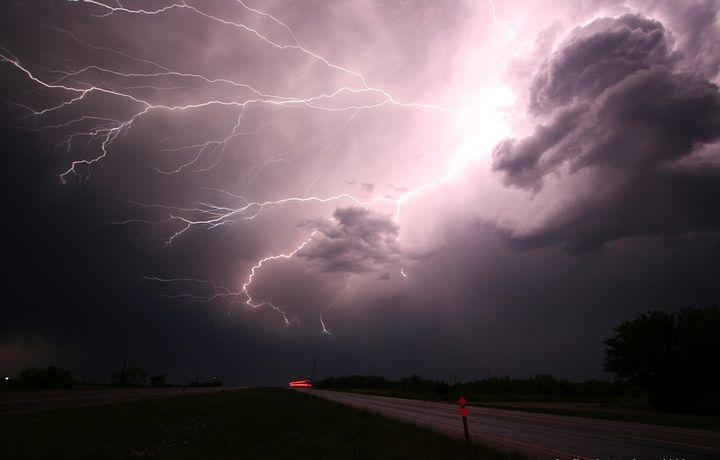 СРОЧНО! Синоптики объявили штормовое предупреждение! Вся Украина в страшной ОПАСНОСТИ! Будьте осторожны!
