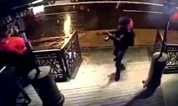 СРОЧНО! В ночном клубе расстреляли 17 человек! Ужасное видео! Страшнее не придумаешь (18+)