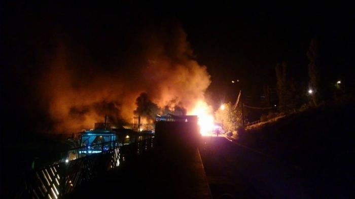 Пылает все вокруг! В курортной зоне Одессы крупный пожар