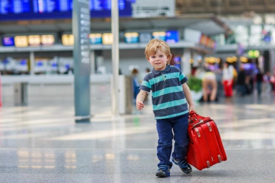 На отдых без детей? Изменилась процедура для выезда ребенка за границу. Новые правила Вас удивят!